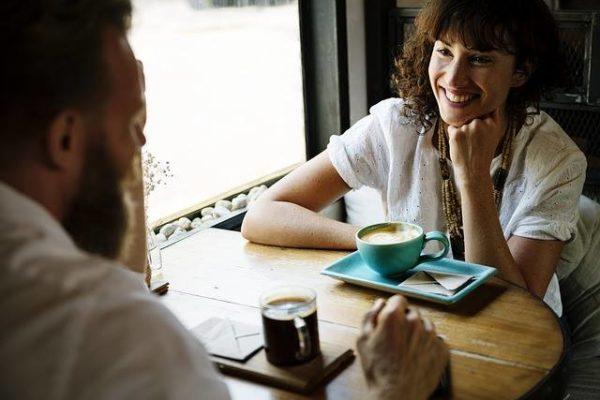 Komunikacja interpersonalna – artykuł Katarzyny Świeżak